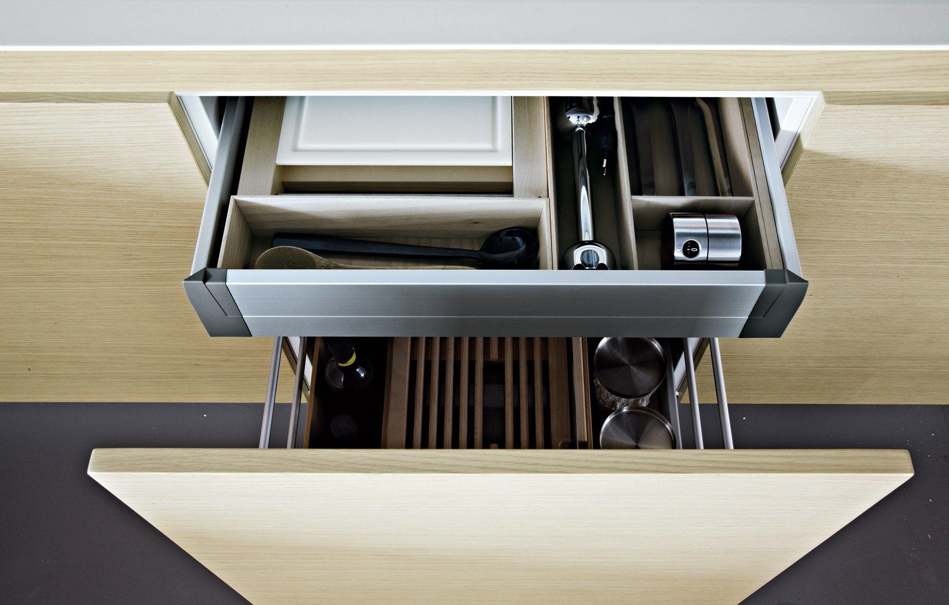 Lacquered Wooden Kitchen ALEA By Varenna Poliform Design Paolo Piva