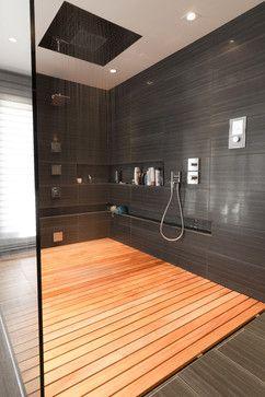 Baño con piso flotante de #madera