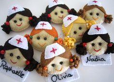 ♥♥♥ Enfermeirinhas, enfermeirinhas, enfermeirinhas ... by sweetfelt \ ideias em feltro, via Flickr