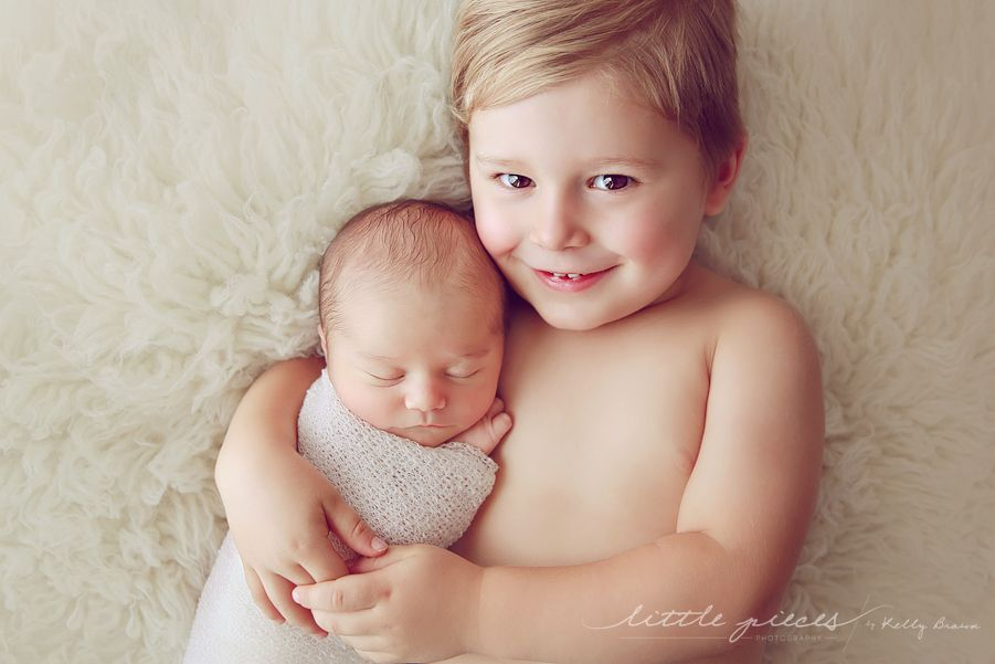 Newborn sibling · such a sweet sibling pose light color and processing ellie
