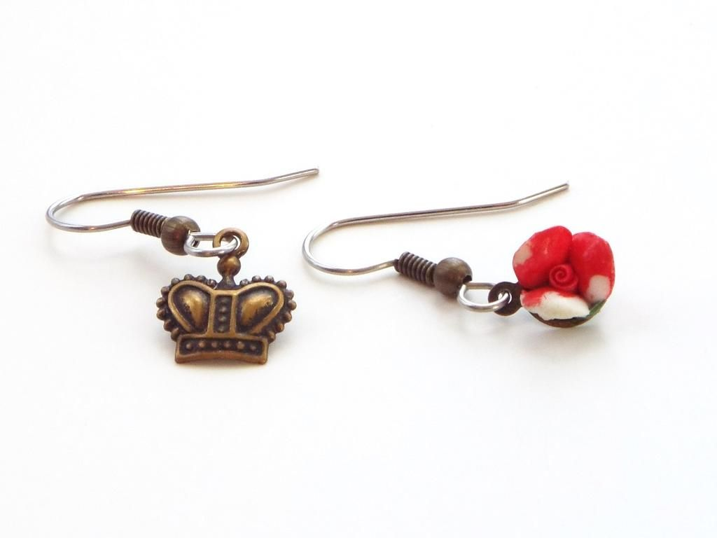 queen of hearts mismatched earrings, alice in wonderland jewelry $16