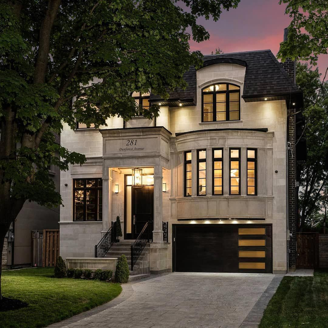 Captured By Stallonemedia And Represented By Allthingsrealestate Gta Who Doesn T Love House Exterior Luxury Homes Dream Houses House Designs Exterior