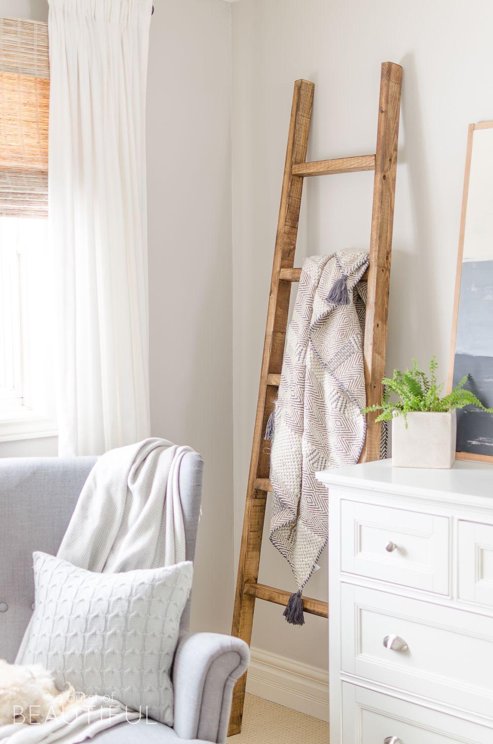 Simple DIY Angled Blanket Ladder Home decor bedroom