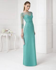 6a150f840 Vestido y chal de gasa y pedreria. Color verde