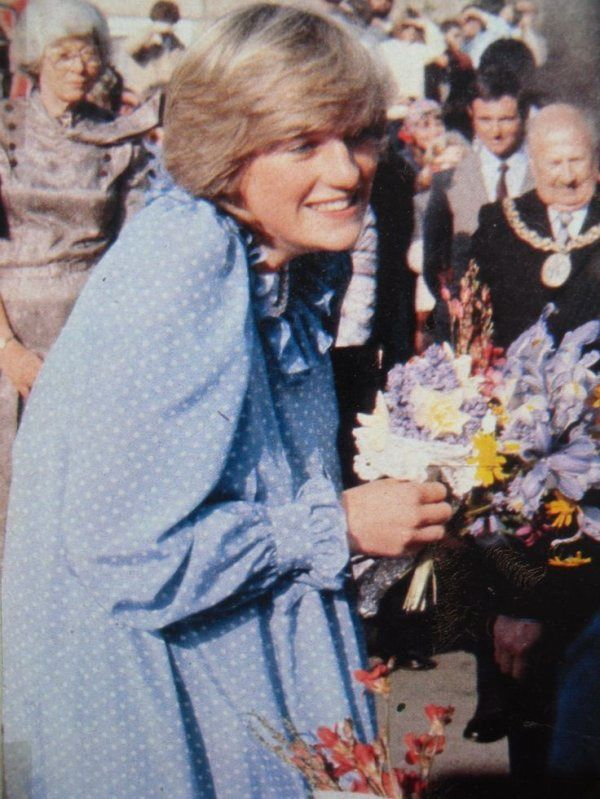20, 21, 22 APRIL 1982 PRINCE CHARLES AND PRINCESS DIANA TAKE A THREE DAY PRIVATE HOLIDAY TO THE ISLES OFSCILLY