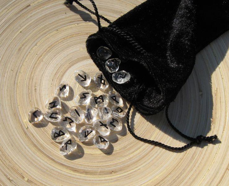 mini runen set bergkristall von buntwerkstattat runen