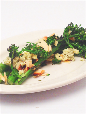Grilled Broccolini with Honey Almonds & Crumbled Blue Cheese: Interested in adding a meatless or vegetable side dish to your dinner table tonight? This broccolini  and crumbled Salemville®️️ brand  Blue Cheese with caramelized honey and sliced almonds would be a great addition! Don't forget to follow us for more recipe and appetizer ideas!
