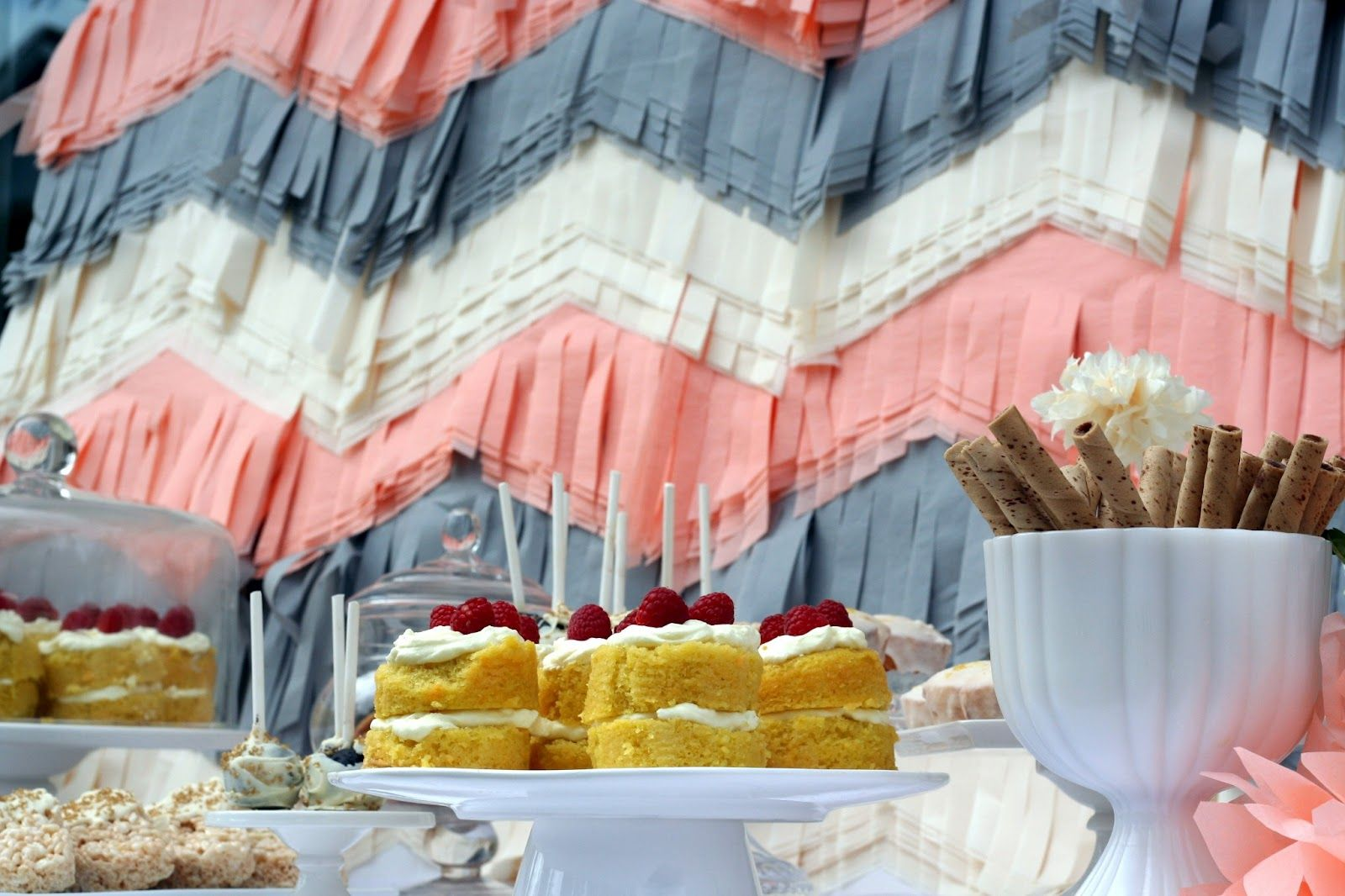 How fun is that back drop!!??  Bridal party ideas from Bourbon and Bleu