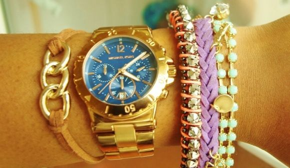 i need to buy some more bangles and bracelets!