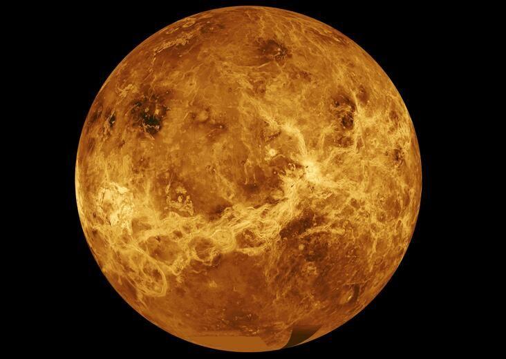 En Venus llueve ácido sulfúrico ya que posee nubes de sulfuro a 50km de altura. Conoce más ➫ http://www.planetariomedellin.org/blog-y-noticias/exploracion-del-sistema-solar-geologia-planetaria/… pic.twitter.com/KtsjXeKqW3