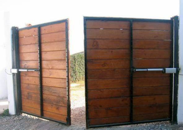 Resultado de imagen para portones de madera modernos for Portones de madera modernos