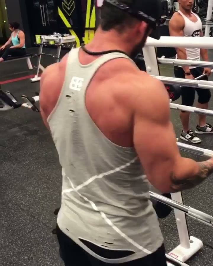 GET BIGGER ARMS TRAINING Tutorial Now live ! https://www.youtube.com/subscription_center?add_user=bodyengineers Dont forget to subscribe and turn on notifications !