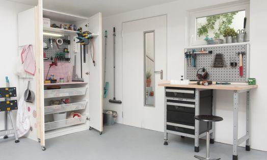 Bauanleitung Werkzeugschrank Ikea Hack Vor Allem Heimwerkerinnen Wird Dieses Modell Begeistern Aus Einem Pax Schrank Wird E Werkzeugschrank Ikea Pax Schrank