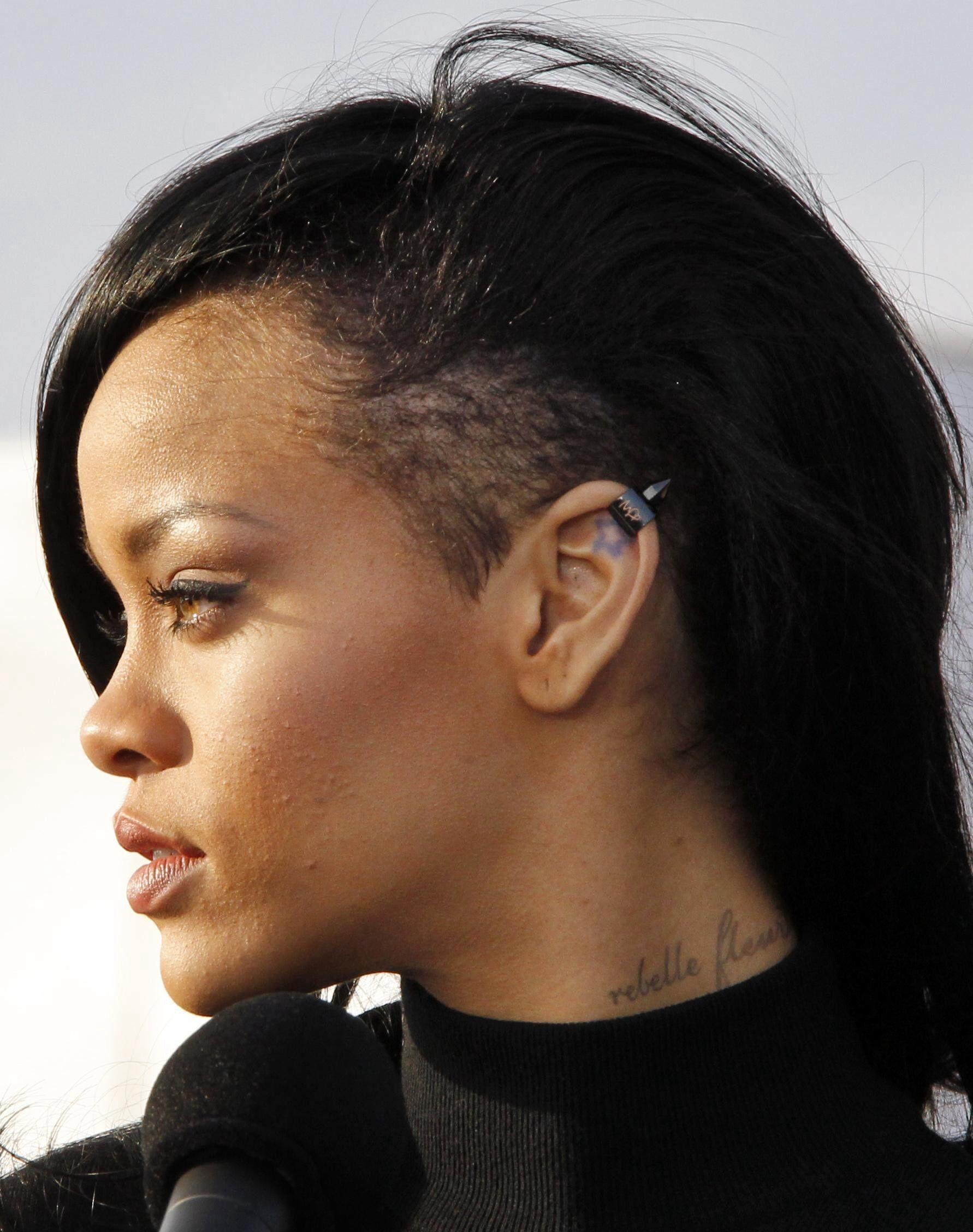 Retour sur les incroyables transformations capillaires de Rihanna