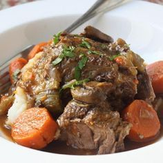 """Slow Cooker Beef Pot Roast 