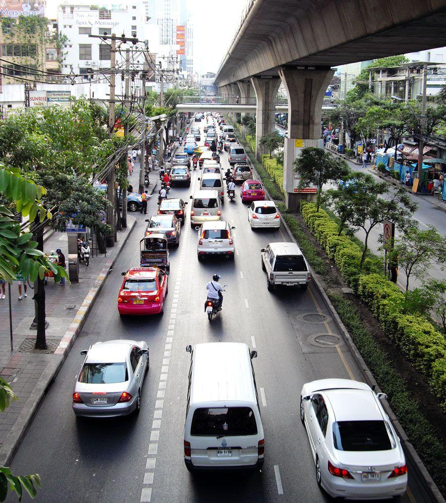 Getting around bangkok traffic on the sukhumvit road