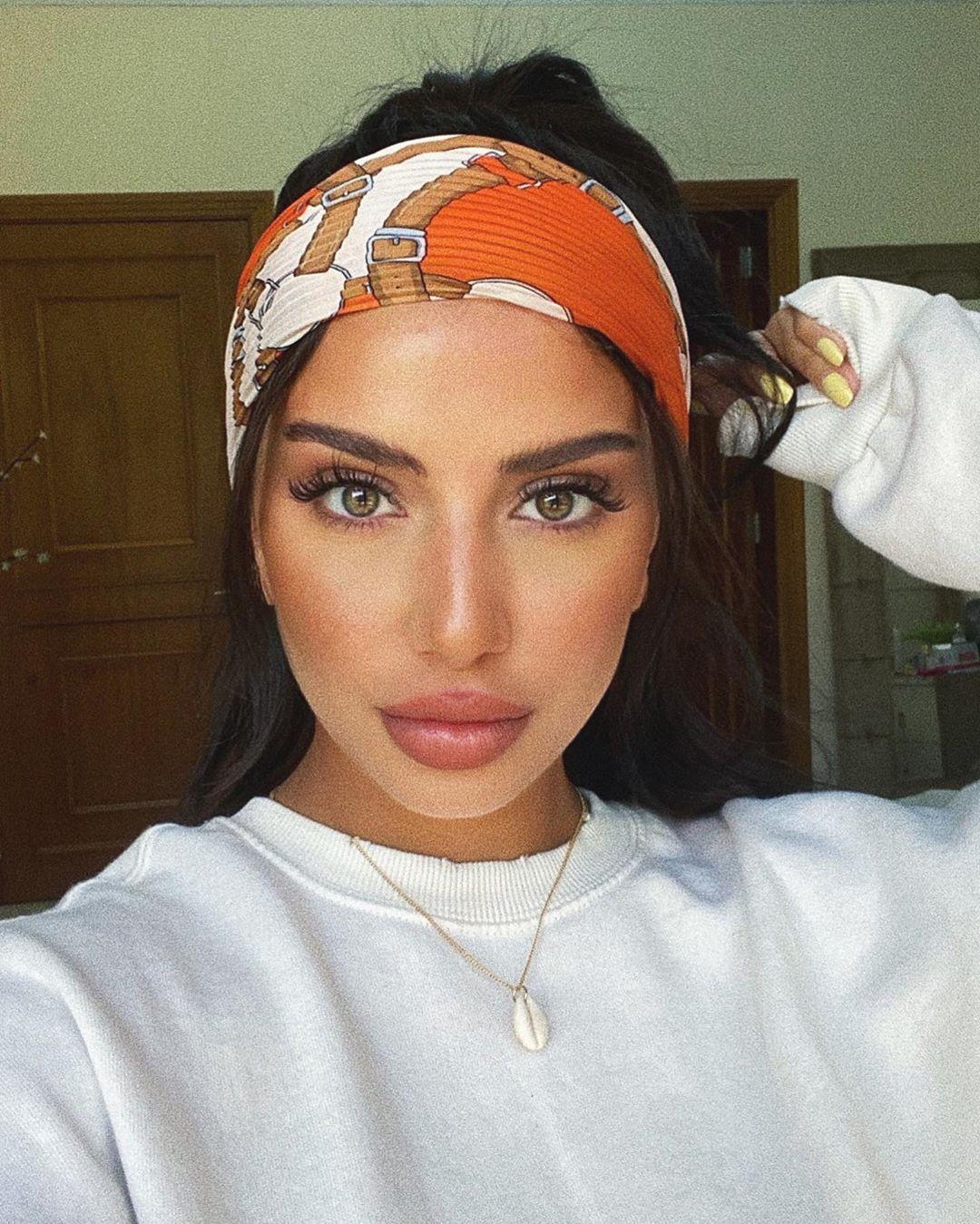 Layan Salem ليان سالم On Instagram نزلتلكم عالستوريز كيف صرت اسوي حواجبي و منتج غريب ولاكن قوييي بستخدمه عشان اثبتهم Beauty Skin Beauty Makeup Beauty