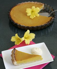 Pumpkin pie with real pumpkin  http://williamsburgpottery.com/event/october-harvest-fest/