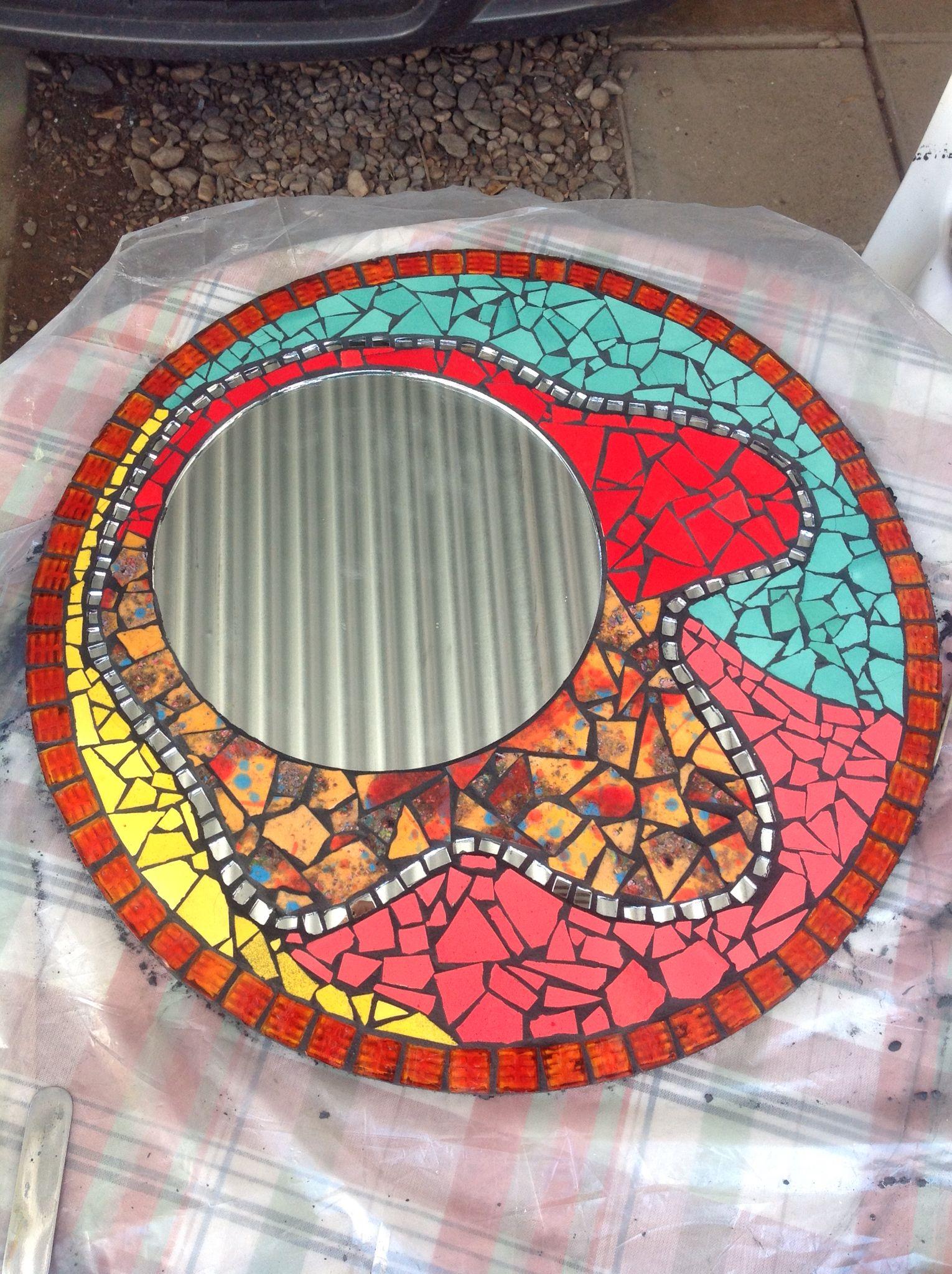 Espejo realizado con venecitas, espejos y azulejos | Mosaicos ...