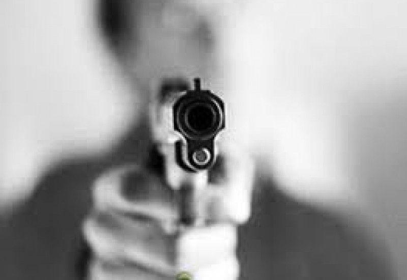 Assaltantes armados roubaram um veículo e R$ 2 mil em dinheiro de um agricultor na noite desta quinta-feira (27), na estrada da Linha Glória, próximo à estação da Copel, em Santo Antonio do Sudo