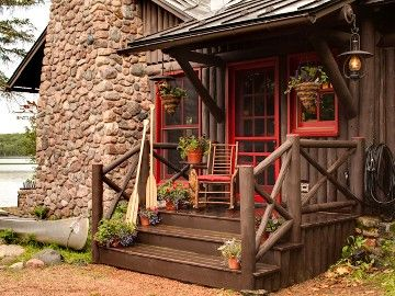 Star Lake Vacation Cabin Rental Luxurious Yet Quaint Old World Style Lakefront Cabin Compound Cottage Exterior Cabins And Cottages Rustic Cabin