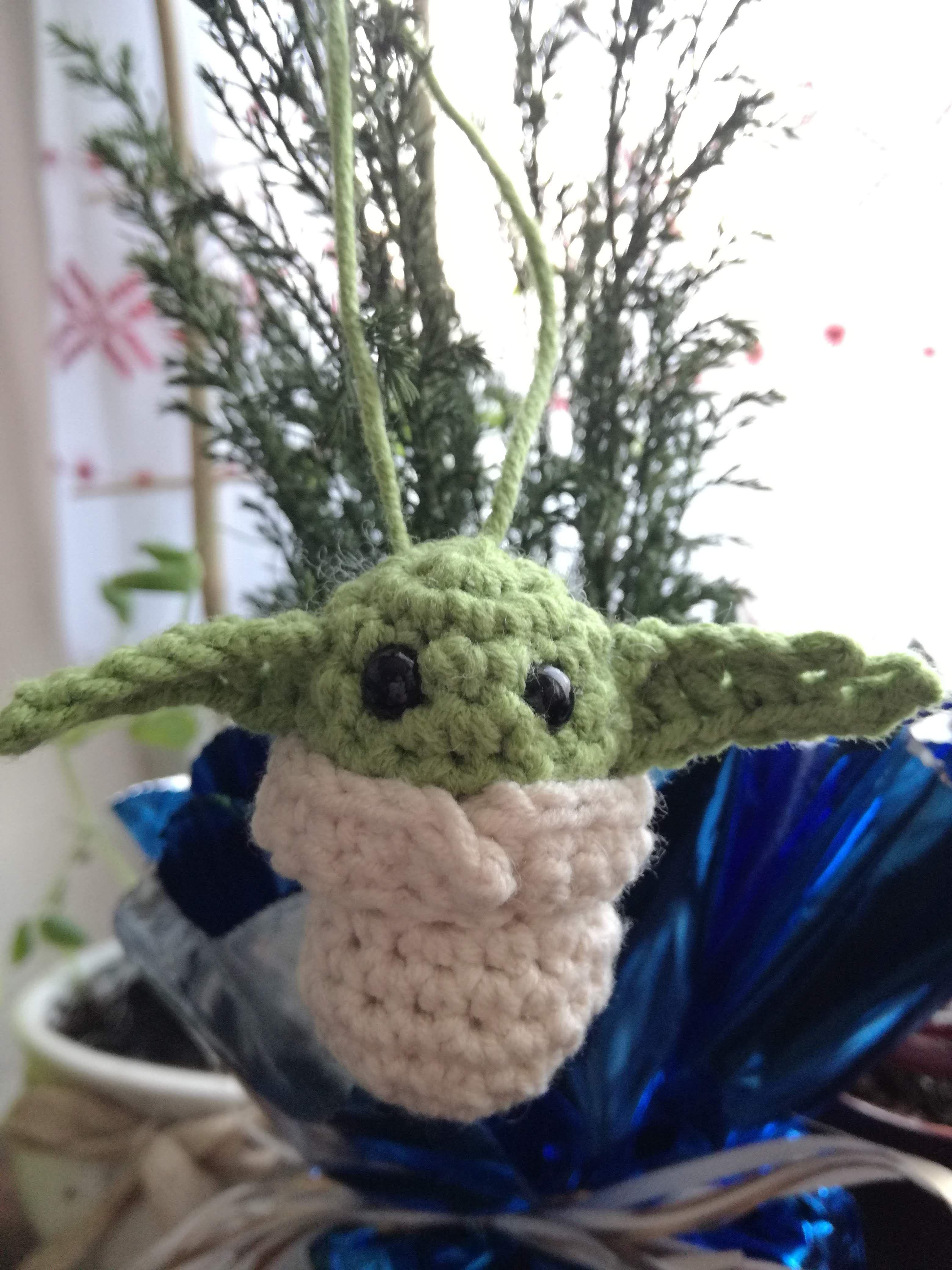 Child Baby Yoda Alien Amigurumi Keychain Ornament Pattern By Monika Branny Cute Alien Crochet Amigurumi Crochet Keychain