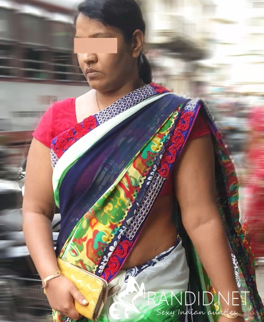 Aunty In Saree Hot Beautiful Sexy Body Auntie Candid Real