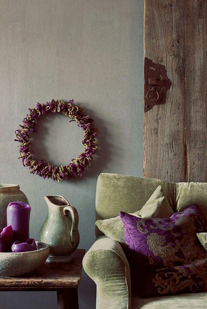 Quelle Couleur Associer Avec Lu0027aubergine, Couronne De Fleurs, Mur Gris,  Vases