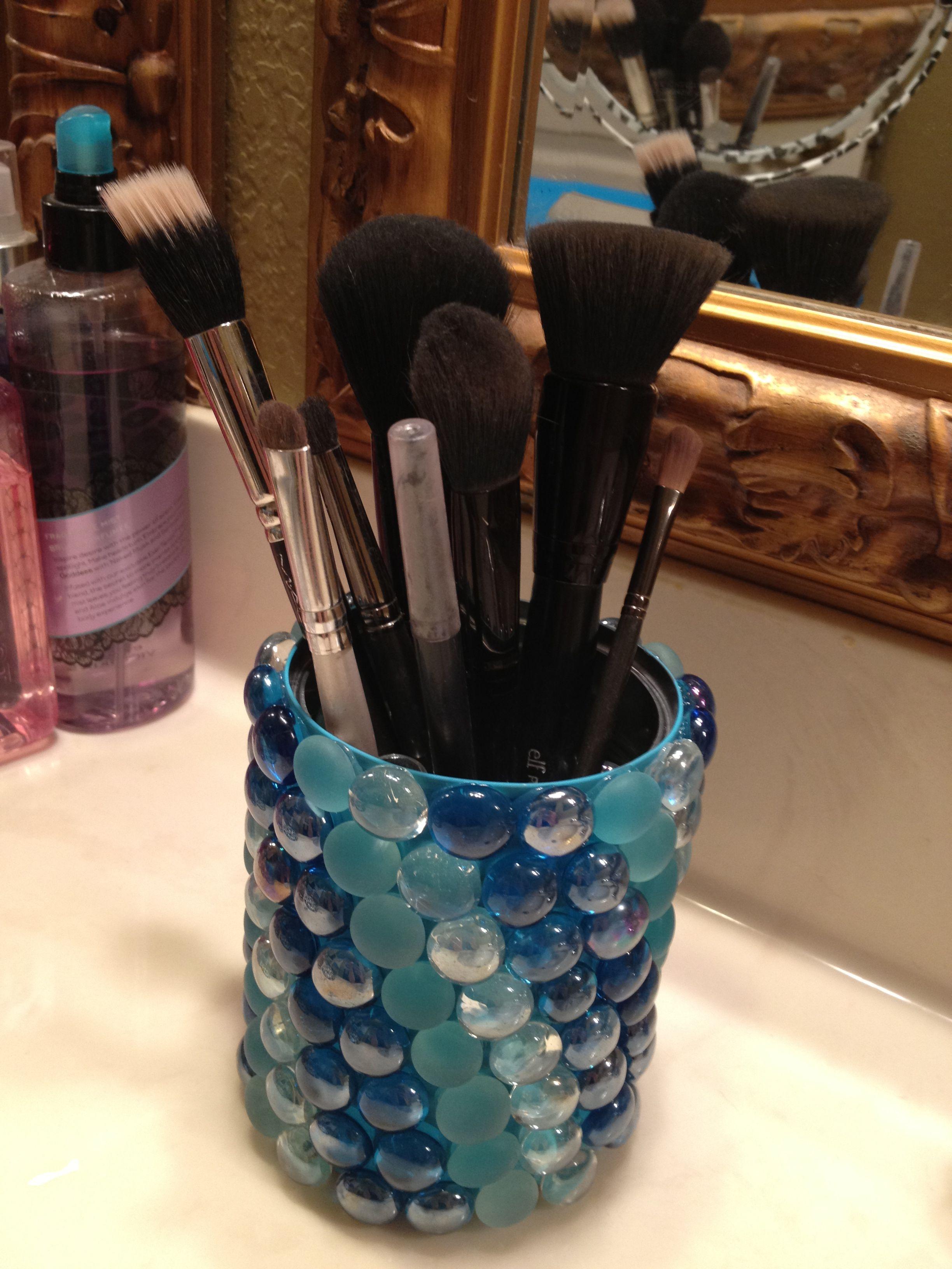 5 Professional Makeup Tools Under 25 Makeup brush