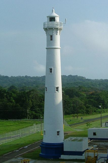 Gatún Northbound Rear lighthouse [1914 - Gatún, Panama]