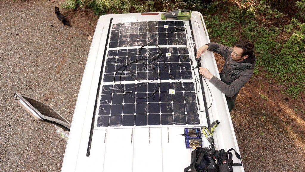 installer des panneaux solaires toit camion am nag van. Black Bedroom Furniture Sets. Home Design Ideas