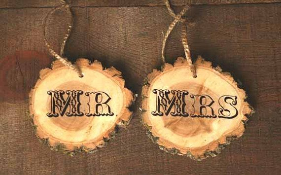Mr & Mrs rustic tree ring signs from  www.etsy.com/shop/LittleWeeShop
