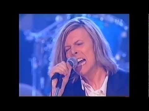 (2000) David Bowie / Little Wonder ~ Man Who Sold the World ~ Fame (3/5)