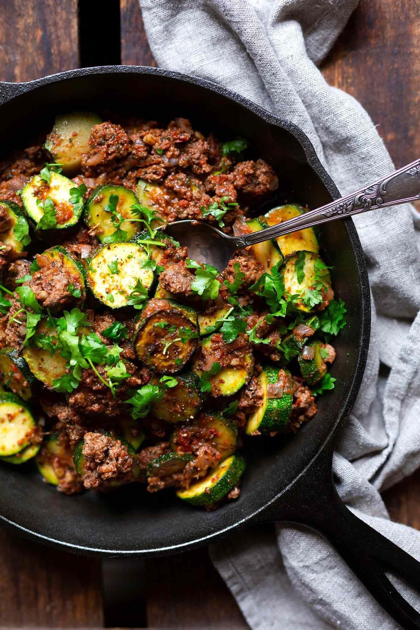 Zucchini-Hackfleisch-Pfanne (30 Min und low carb!) - Kochkarussell