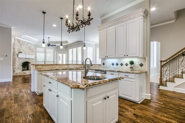 Photo 5 Of 1410 Laurel Southlake Tx In 2020 Luxury Kitchens Southlake Home Buying