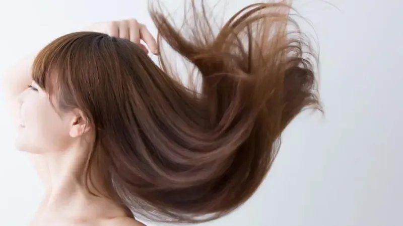 Tanpa Catokan Ini 10 Cara Cepat Dan Alami Luruskan Rambut Rambut Lurus Rambut Keriting Alami Gaya Rambut