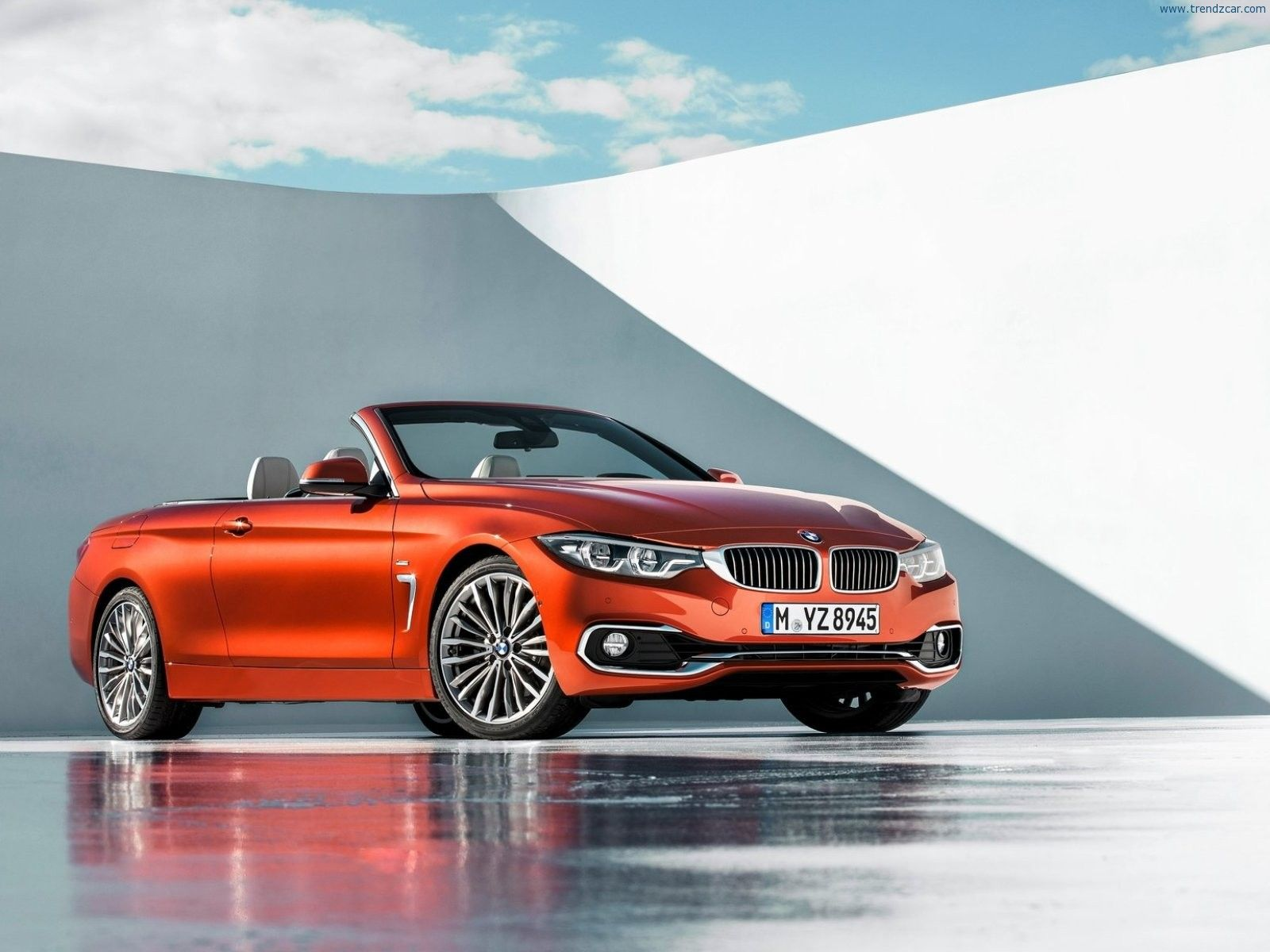 The new 2018 bmw convertible appear with roof who look and a graceful sporty outline that is further emphasised by the long boot lid opening the