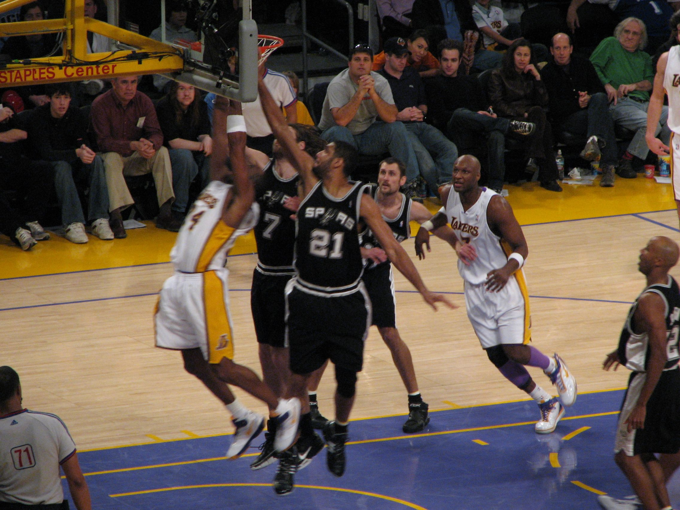 Tony Parker says Tim Duncan 'could play forever'; Spurs