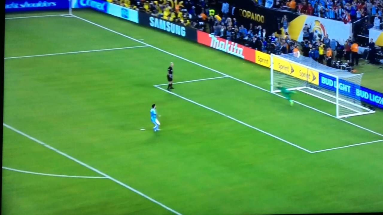 Messi's penalty miss against Chile (Copa America 2016