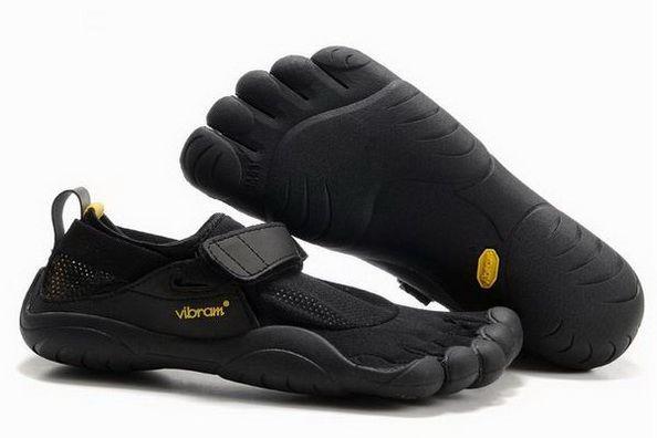 Vibram Five Fingers KSO Black: http