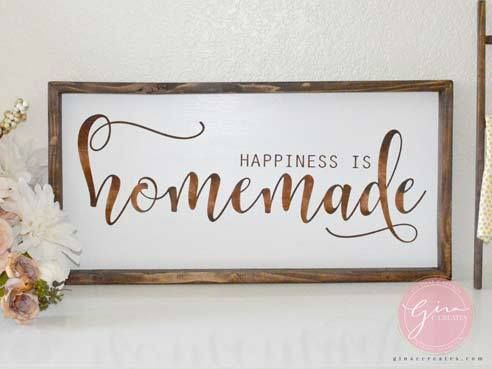 10 BEST Holiday Farmhouse Sign Ideas HELLO, over the weekend I was a vendor at a local craft fair and I want to share a few of my signs that were a big hit!! If you take crafting very seriou…