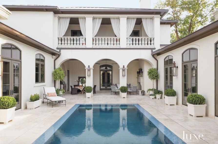 Luxe Magazine On Mediterranean Homes House And Home Magazine Courtyard House