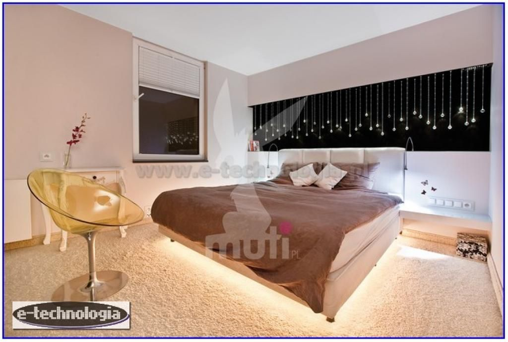 The bedroom is a unique place in the house. In the rest and we gain strength before new challenges. When choosing lighting for the room must be ensured so the practical and aesthetic aspects that will add charm to the interior and create the right atmosphere. The lighting design uses a set of crystal balls with LED strip. The inspiration for the bedroom is best with crystal balls. They will provide mood lighting bedroom. www.e-technologia.pl