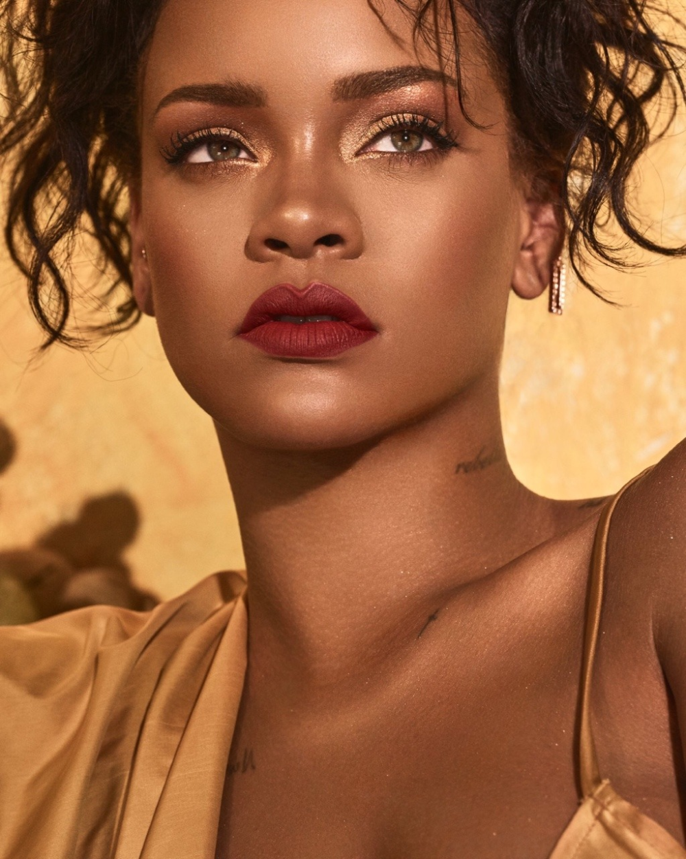 Pin On It S Rihanna