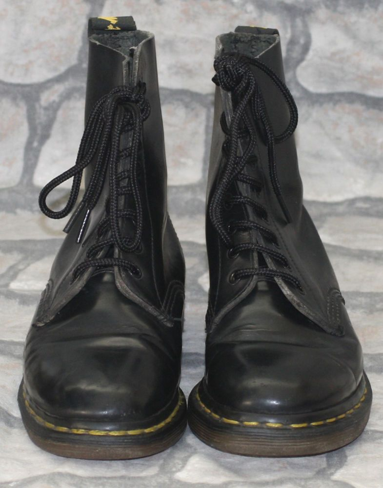 Rare 60s Made in England Black Dr Martens Martins 8 Hole Skinhead Boots 4 37