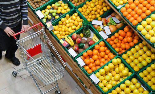 Shop IDEAS Hedelmät kannattaa ostaa mieluummin irtotuotteina kuin valmispakkauksina. Yksi homeinen hedelmä saattaa pilata koko paketin.