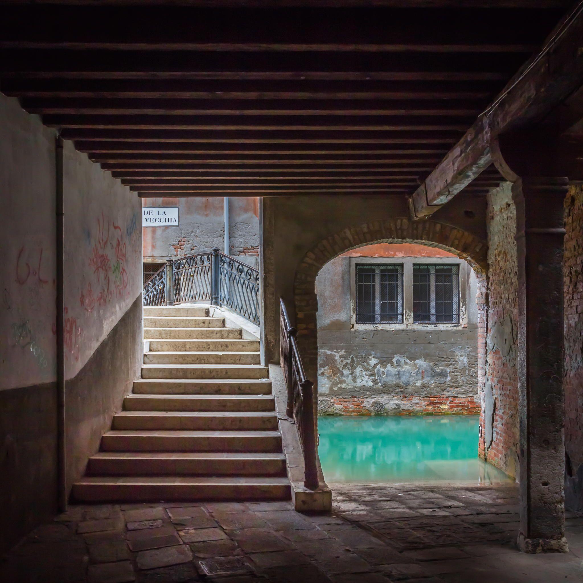 Secret street in Venice - null