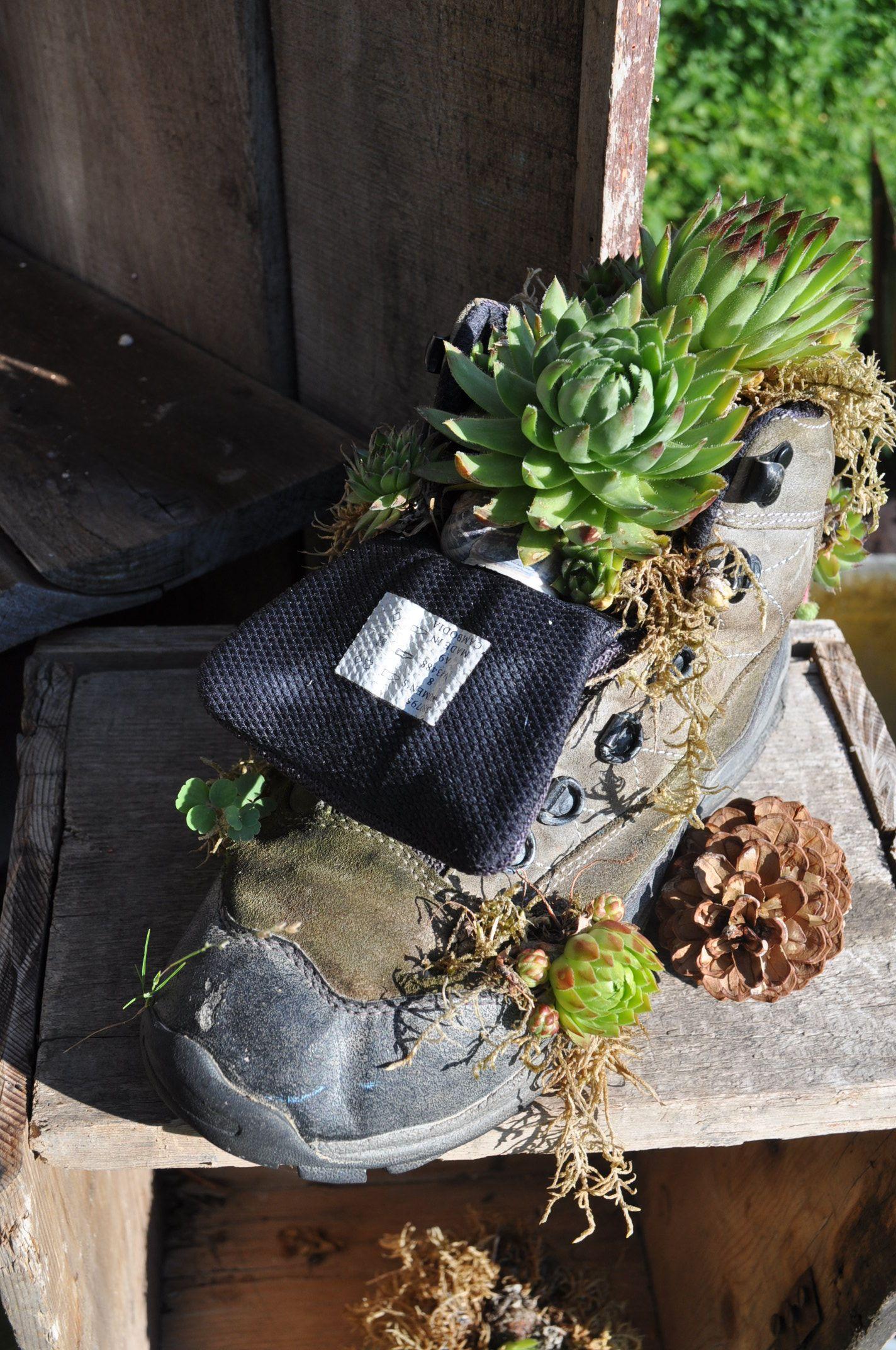 Alte Schuhe zu schade zum wegschmeißen. Lust im Urlaub kreativ zu sein? Gerne …