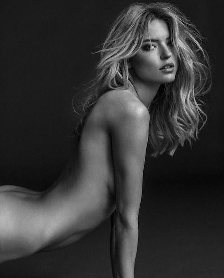 Sexy nude girls vids