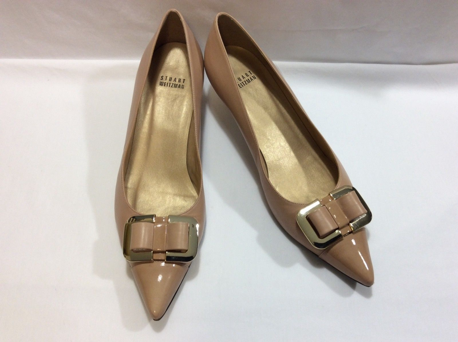 ff3f909ff78 STUART WEITZMAN NUDE LEATHER   PATENT LEATHER BOW KITTEN HEEL PUMPS 9.5 M  IN EUC